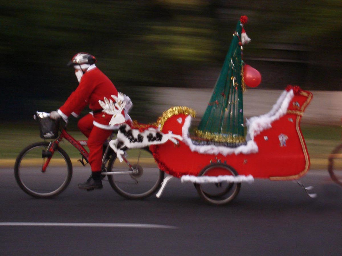 Marcha Ciclista Pedaleando con Santa Claus