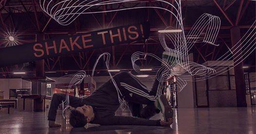 Breakdance Solidario Shake