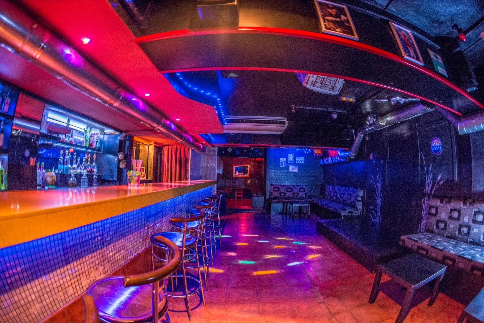 Trauma Pub, grandes hits de los 80 y 90