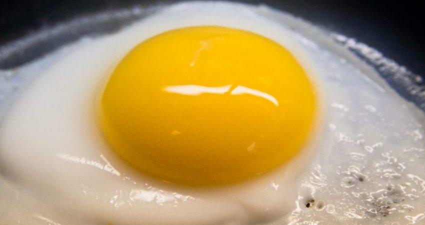 huevo frito con chorizo